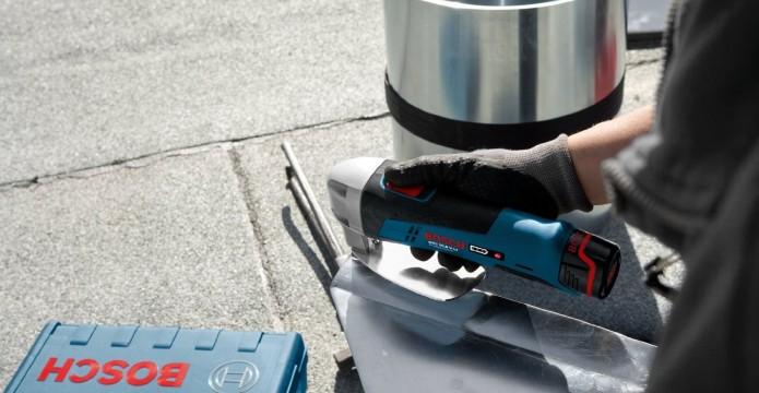 Blech schneiden mit Bosch Blechschere