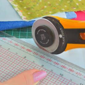 Rollschneider Vergleich – Papier und Stoff richtig zuschneiden