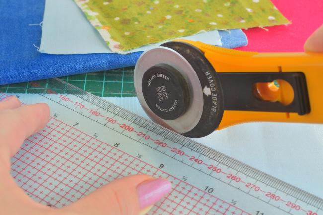Rollschneider Vergleich: So können Sie Stoff richtig zuschneiden