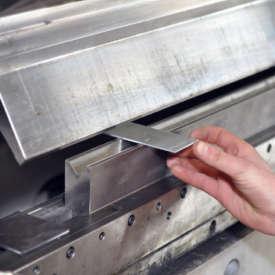 Abkantbank & Schwenkbiegemaschine – Blechbiegen leicht gemacht